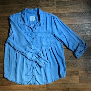 🌙 Style & Co.Blue Tab Sleeve Chambray Button Down